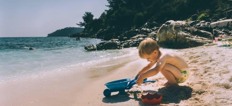 L'estate sta arrivando: quali sono i giochi più belli da fare in spiaggia con i tuoi bambini?