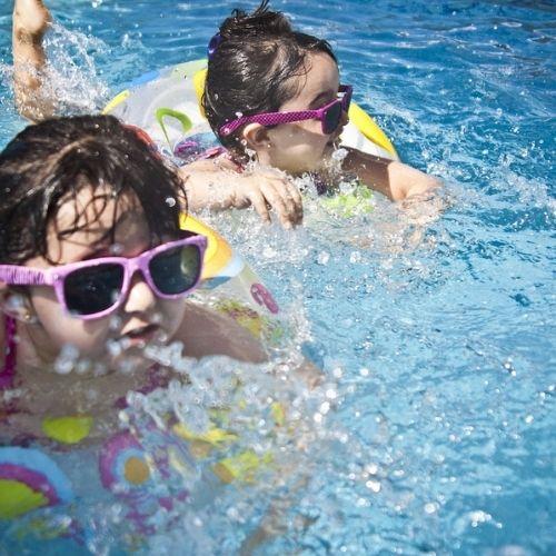 Mare o piscina. Cosa scegliere per i vostri figli?