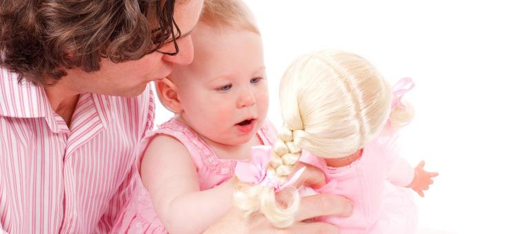 Giocare con le bambole, perché è importante?